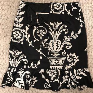 WHBM EUC beautiful black& white skirt Size 4/6